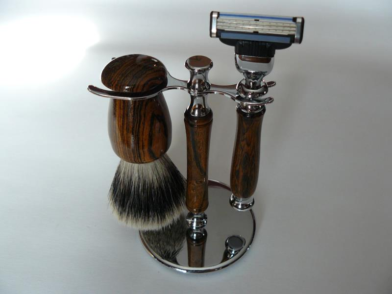 Shaving Brush Razor and Stand Bocote
